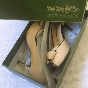 New in Box. Coach and Four Heels